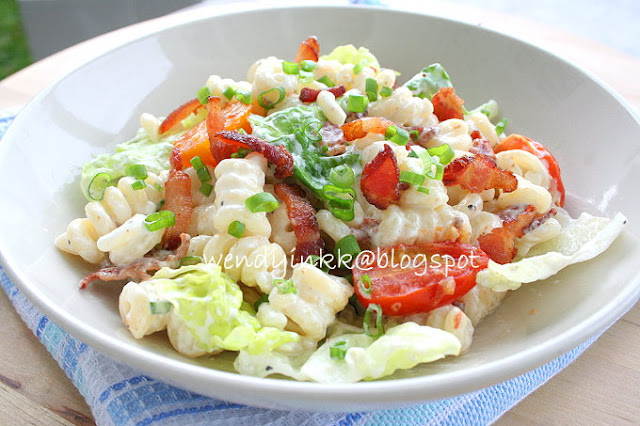 Table for 2.... or more: BLT Pasta Salad - Pasta Week #1