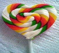 permen lollipop love