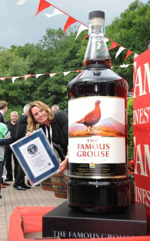 The Famous Grouse é a maior garrafa de Whisky do mundo
