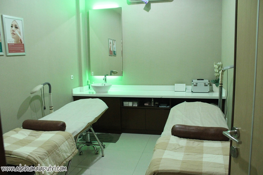 Couple Aesthetic Room For Facial And Peeling Treatments