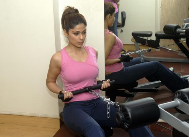 new test- shamita shetty gym workout