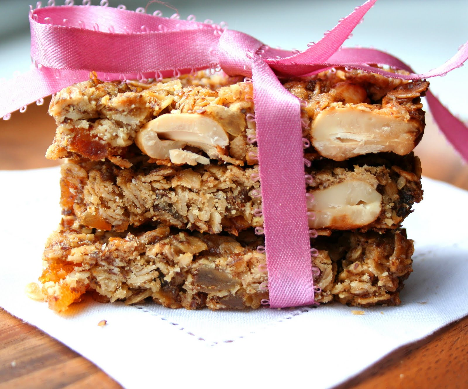 Ginger Cashew Granola Bars | All Day I Dream About Food
