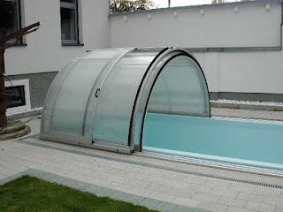 Enfoque sobre los cobertores para piscinas bajos guia for Piscinas plegables