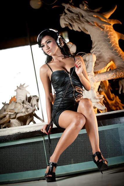 Photo Sexy Amel Alvi or DJanete OV