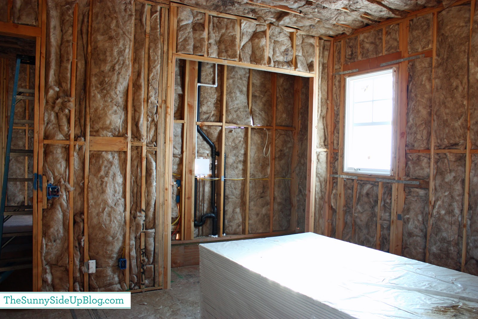 Insulation drywall siding and a question the sunny side up blog two weeks ago everything was insulated above is a picture of the playroom and the playroom closet a happy place for my kids to play and for me to organize solutioingenieria Choice Image