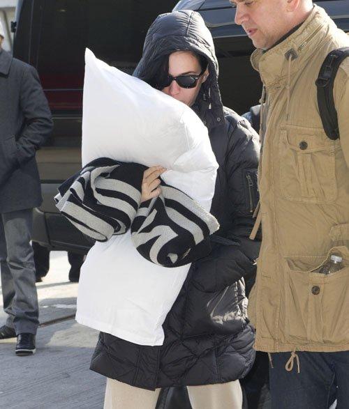 Katy Perry en el Aeropuerto JFK muy casualmente Perry-aeropuerto-004
