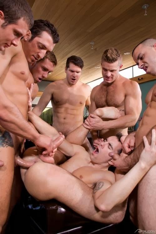 фото геи групповуха