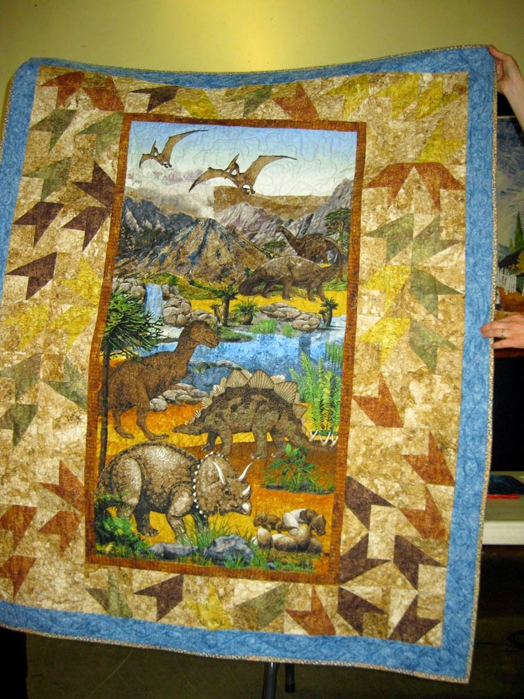 Walk On The Wool Side: PANEL QUILTS WITH INTERESTING BORDERS