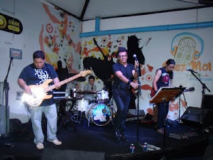 Palco do Chez- Casa de muitos artistas e bandas de SL
