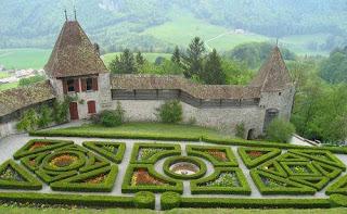 Castello di Gruyères,giardino francese