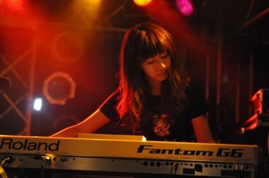 Japanese Metal Ladies, Japanese Kawaii Metal, Yuka Ghost Cries, Yuka