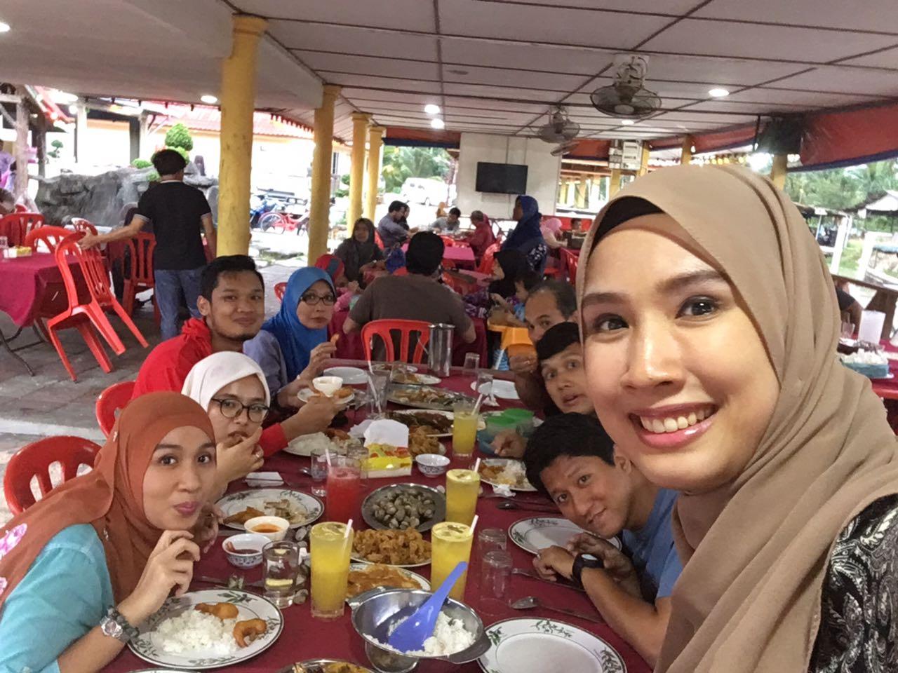 Restoran Medan Ikan Bakar Pantai Jeram - Jeram, Selangor
