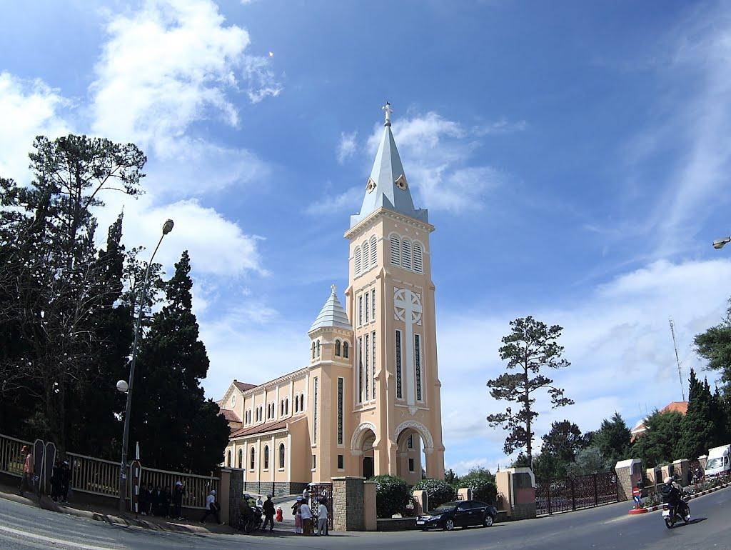 Kết quả hình ảnh cho nhà thờ con gà đà lạt