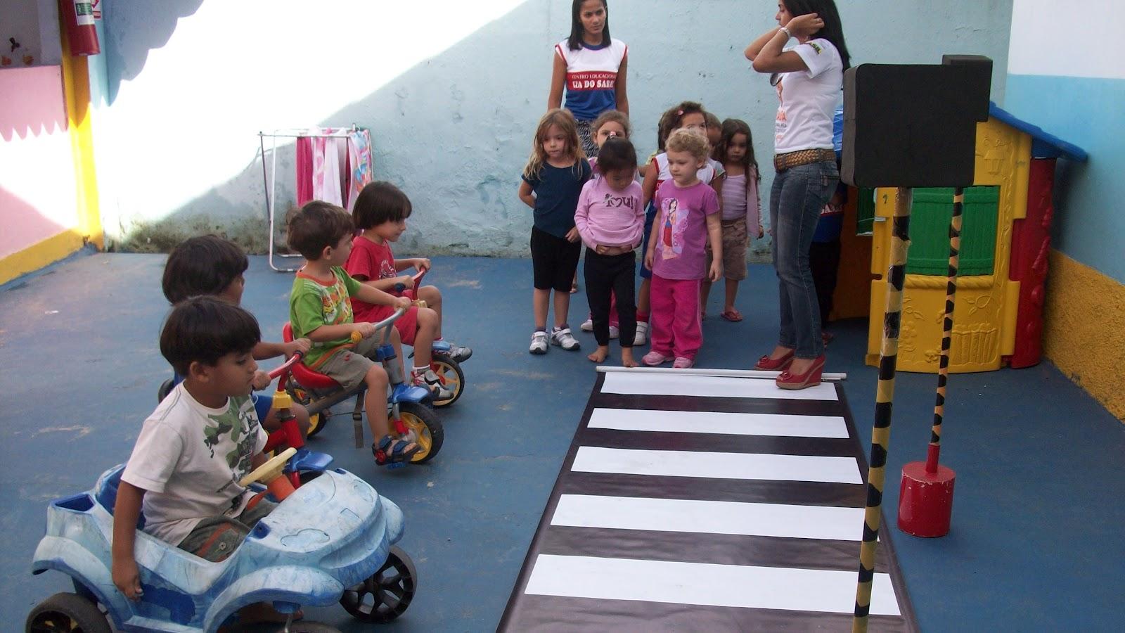 Cia do saber vila velha projeto tr nsito na escola for Mural sobre o transito