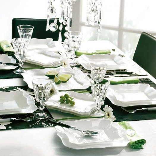 Table settings ideas tigerlily 39 s book for Christmas decorations for the dinner table