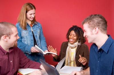 jovens amigos unidos, estudos