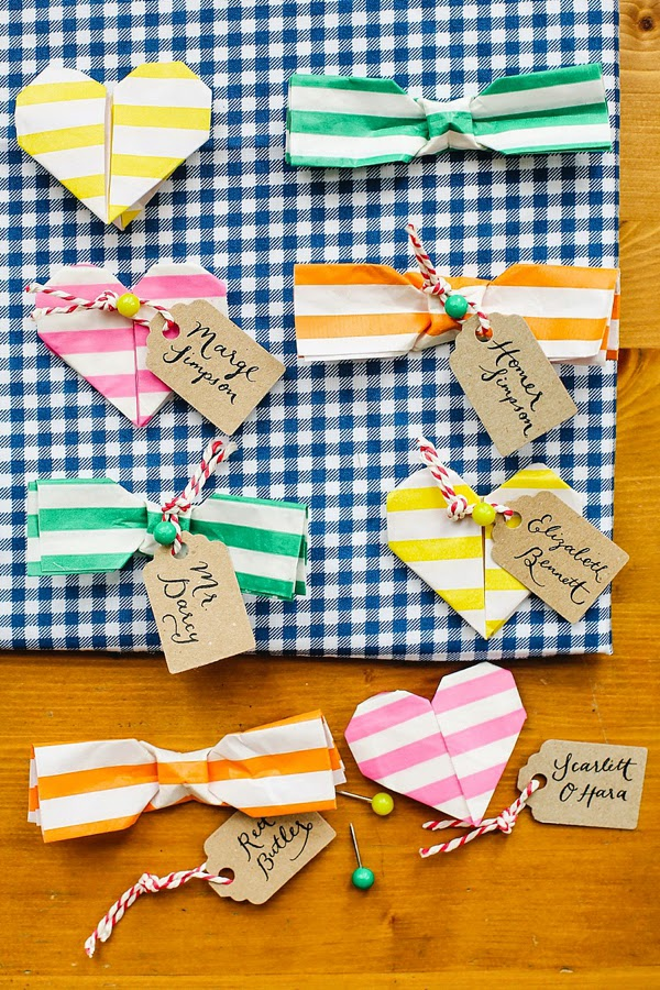 http://www.lovemydress.net/blog/2013/02/how-to-make-an-origami-matchmaker-wedding-favour-by-berinmade.html