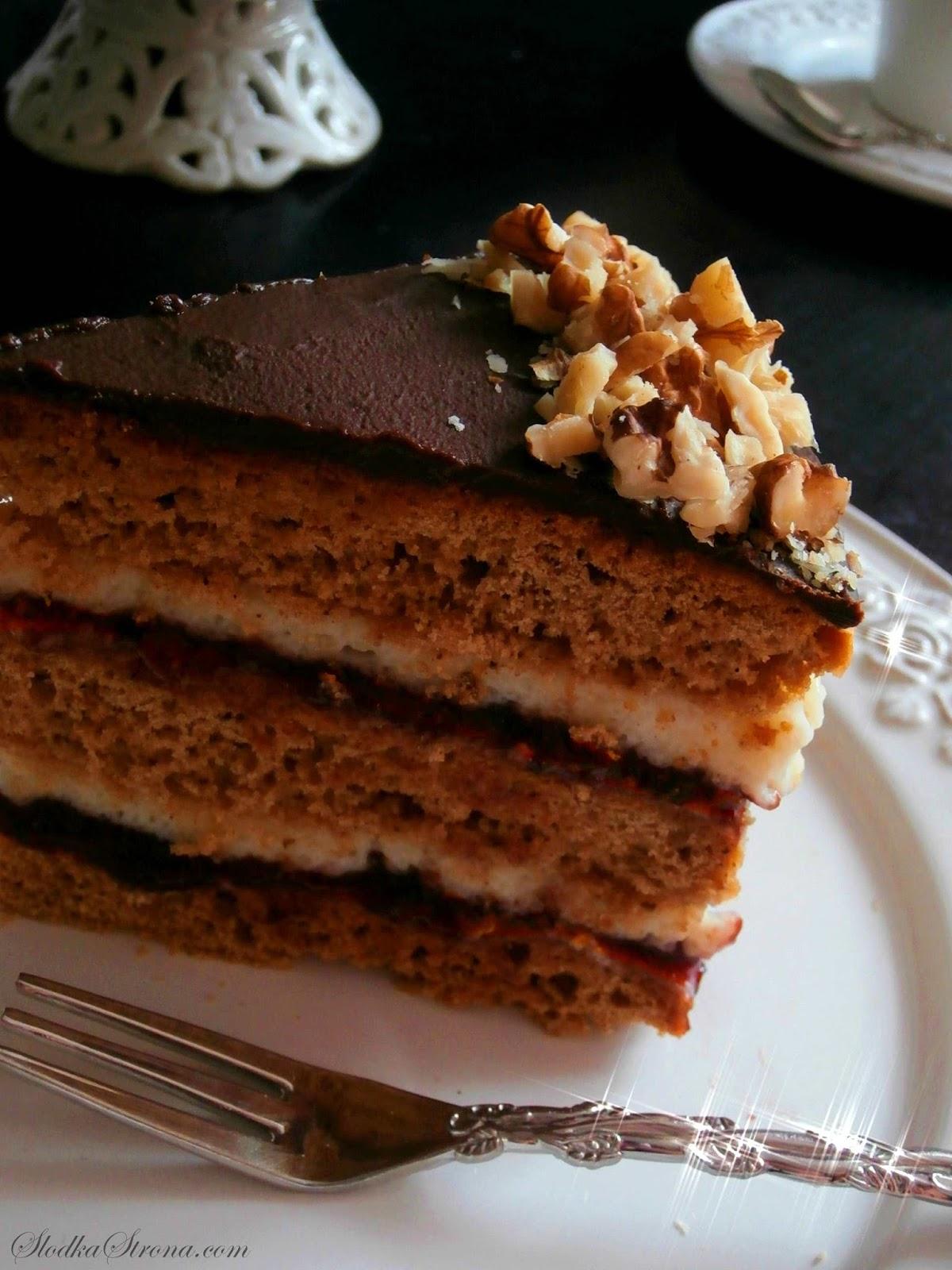 Przepyszny, aromatyczny torcik Bożonarodzeniowy o bardzo świątecznym smaku. Powidła śliwkowe idealnie komponują się z słodziutką masą z kaszki manny i piernikowymi spodami ciasta tworząc piernikowy tort idealny na święta Bożego Narodzenia. tort piernikowy, tort piernikowy przepis, tort z masa z kaszy manny,kasza manna, piernik, tort z orzechami łoskimi, święta, boże narodzenie wigilia, ciasta świąteczne, ciasta na boże narodzenie, ciasto piernikowe, ciasto piernikowe przepis, ciasta bożonarodzeniowe, torty bożonarodzeniowe, boże narodzenie przepisy, wigilia przepisy,