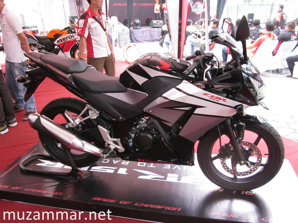 Video detil All New Honda CBR 150R . .