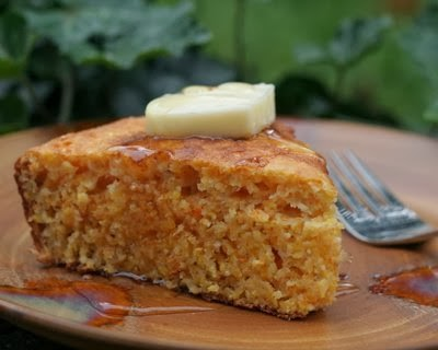 Skillet Cornbread, an adaptable, forgiving recipe, stays moist for days | Weight Watchers PointsPlus 5 | KitchenParade.com