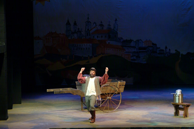 The Theatrical Designs Of Gary Benson Fiddler On The Roof