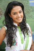Aswini chandrasekhar Photos at Tolisandya Velalo Opening-thumbnail-8