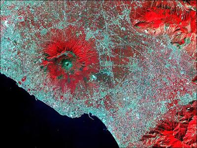 (Italy) – Visit Mount Vesuvius
