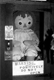 muñeca maldita