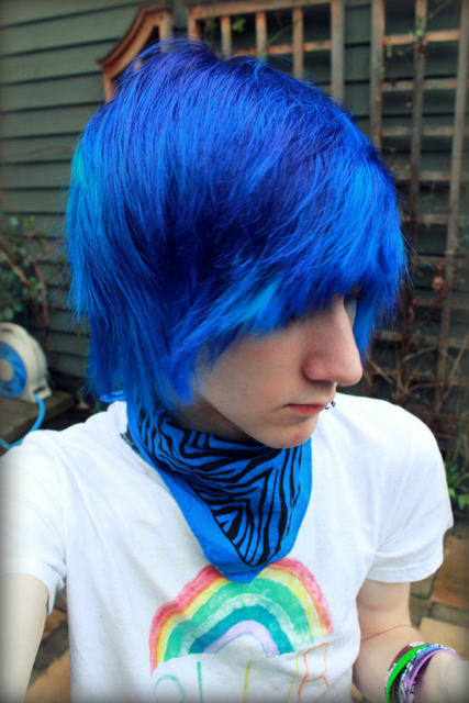 boy with blue hair tumblr - photo #11