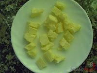 Bizcocho de manzana-troceando la mantequilla