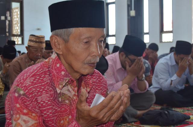 H. Ii Argadiraksa tokoh jemaat Ahmadiyah Singaparna