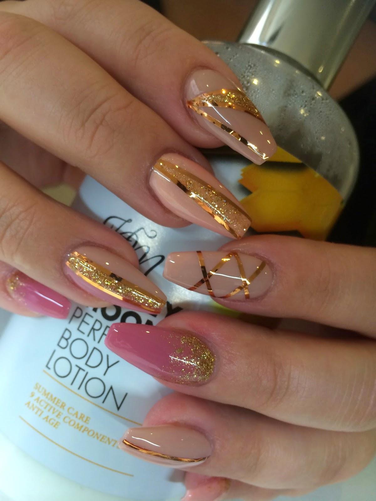 naglar med folie