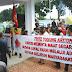 Himpunan Mahasiswa dan Pemuda SImalungun demo Kantor Imigrasi Siantar