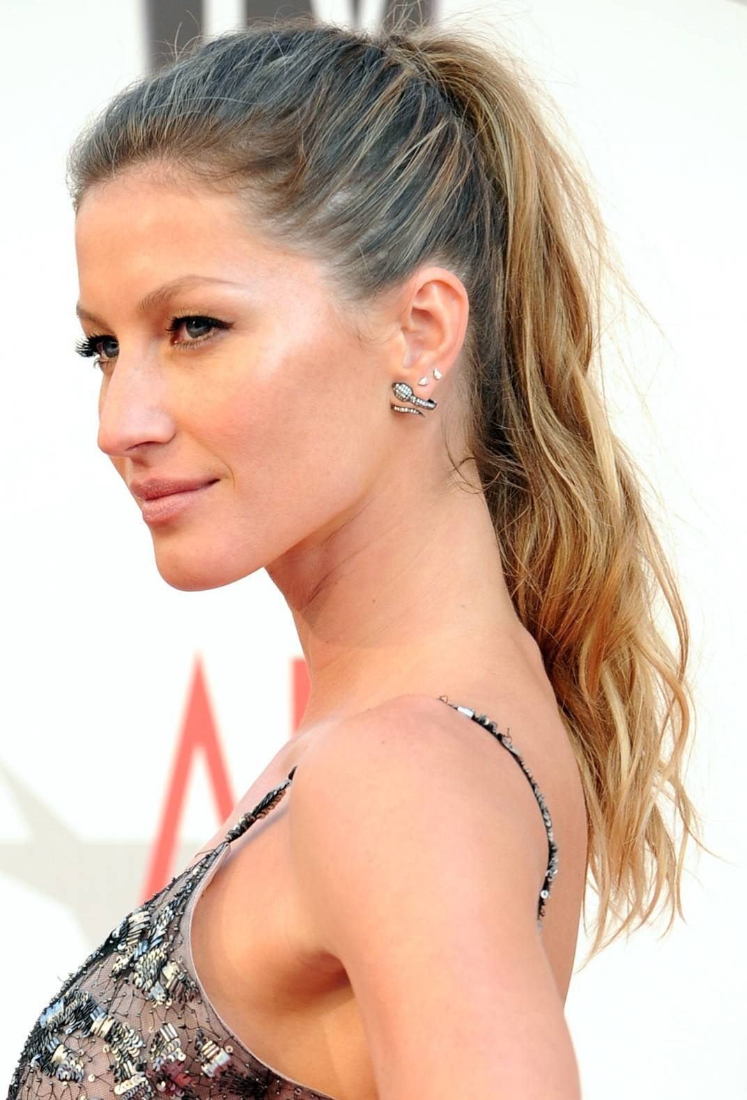 Hairstyles For Women Blonde Ponytail Hairstyles 2012