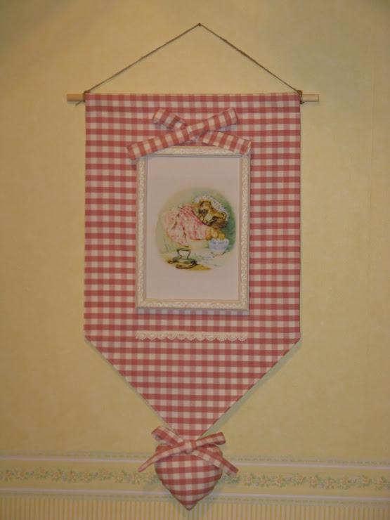 Appendino shabby di Beatrix Potter (in collaborazione con CAROLINA)