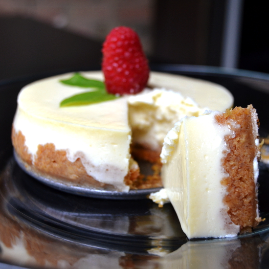 Old Fashioned Cheesecake With Graham Cracker Crust