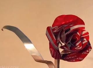 http://bricoblog.eu/rosas-reciclando-latas-de-bebidas/#