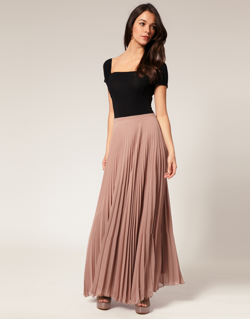 Modest long skirts for fashionable and trendy women! A-line, Pencil, Maxi, Midi? We've got it all! Shop our large selection of skirts for women in sizes XS-5X.