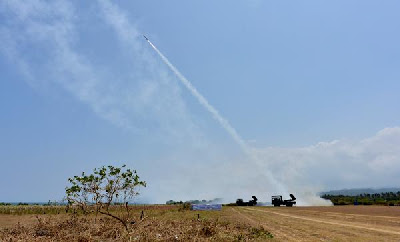 Video Peluncuran Roket Lapan Berdaya Jangkau 100 Kilometer