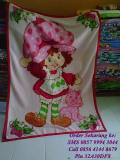 selimut anak karakter strawberry