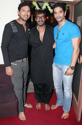 Indian Cricketers at  'Son of Sardaar' (SOS) Special screening
