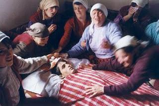 Cádaver de Al Murat Pacirizi, soldado del Ejército de Liberación de Kosovo en Dragobil - Javier Bauluz