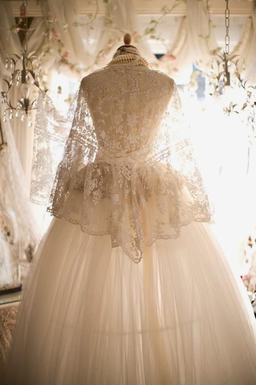 Alfies Antique Market: Vintage Wedding Dresses & Antique Lace