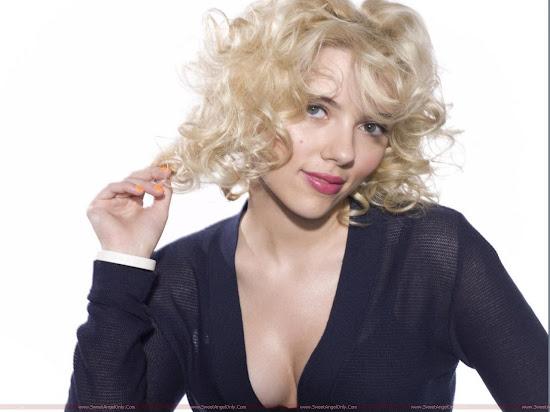 Scarlett_Johansson_glamor_girl