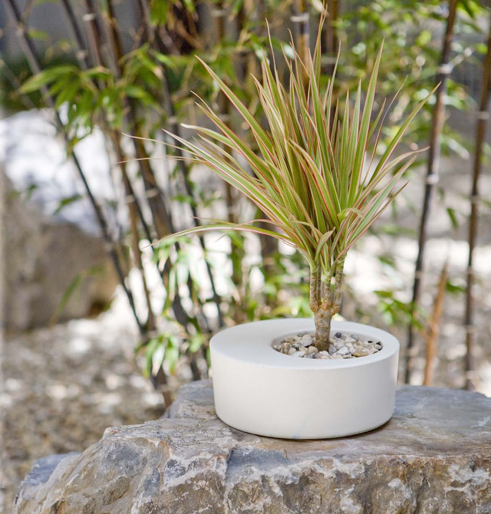 Soul sanctuary obleeek objects modern concrete planters Concrete planters