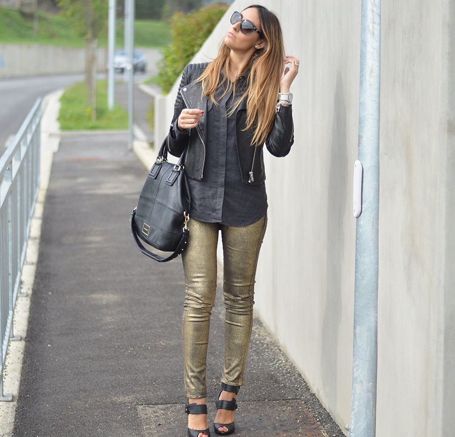 h&m leather jacket, h&m giacca di pelle, pantaloni dorati, pantaloni d' oro, golden pants, gold pants, gold trousers, schutz shoes, scarpe schutz, sandali schutz, schutz sandals, givenchy bag, borsa givenchy, givenchi, fashion blogger, top fashion blogger, top italian fashion blogger, fashion blogger, fashion blogger italiane, elisa taviti, my fantabulous world