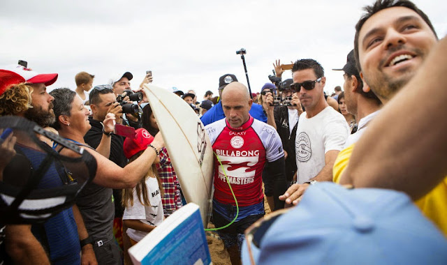42 Billabong Pipe Masters Kelly Slater Foto ASP
