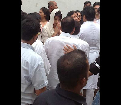Photos : Priyanka Chopra's Dad Funeral