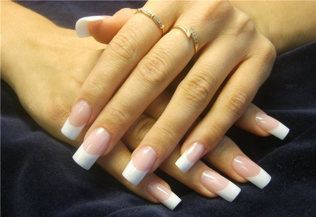 Should acrylic nails be removed periodically