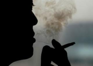 Inilah Alasan Dilarang Merokok di Ruangan ber-AC